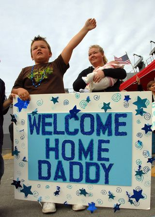 2946777082_ac876079ef_b welcome home daddy